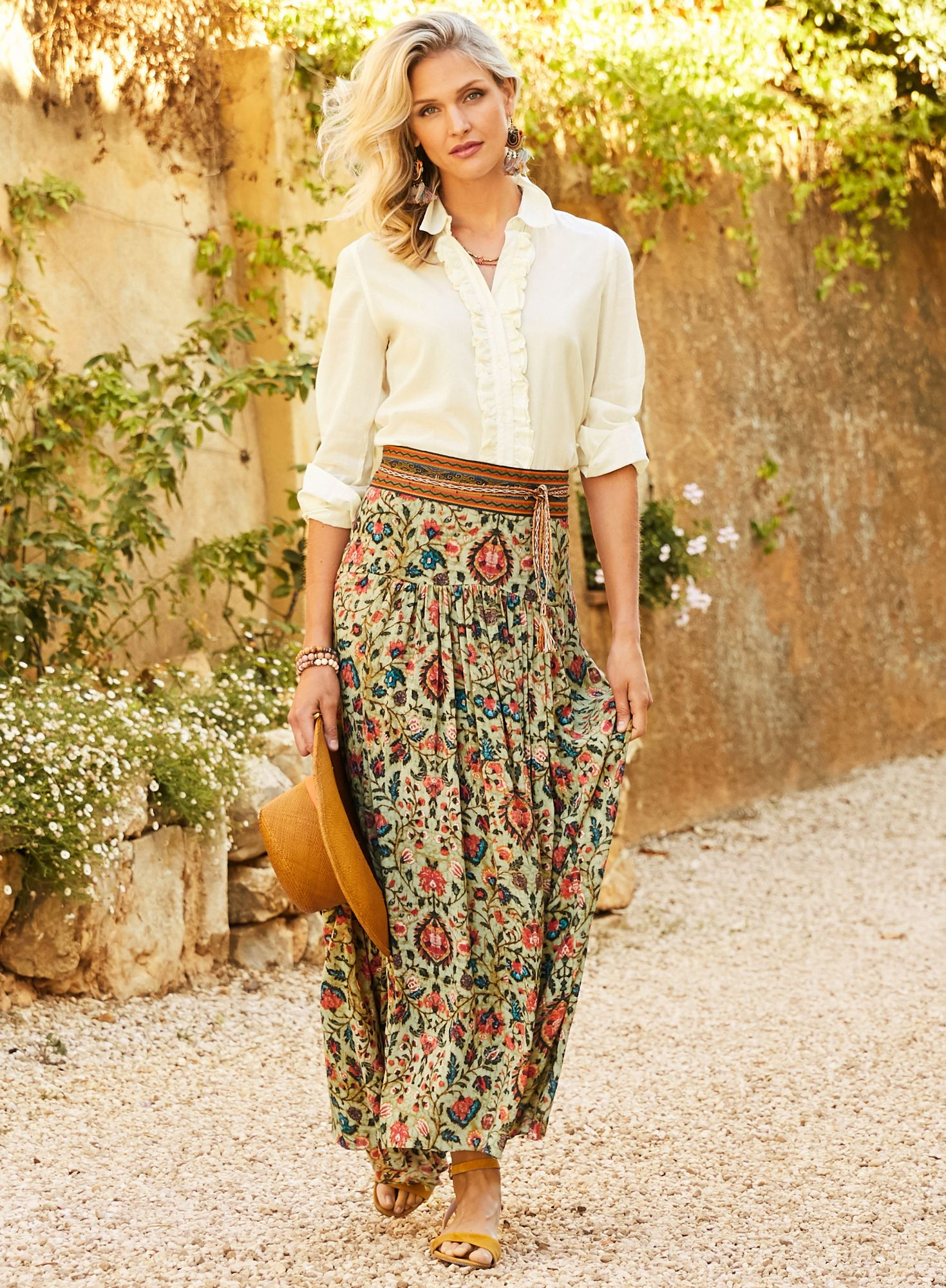 Jaipur Maxi Skirt Fashion For Women Over 40 Fashion Outfits 40 Fashion Women [ 2000 x 1469 Pixel ]