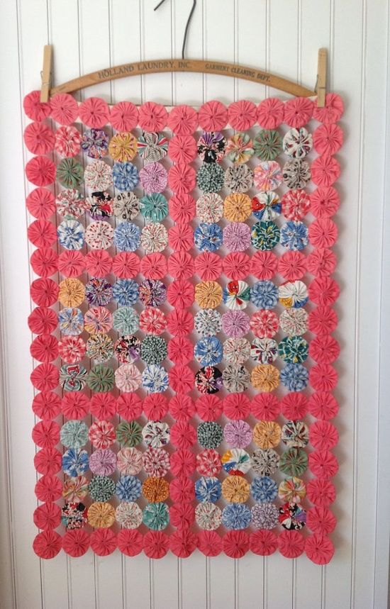 Vintage Yoyo Quilt Wall Hanging Quilted Wall Hangings Quilts Vintage Quilts
