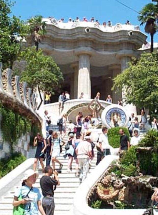 Le Parc Guel Barcelona
