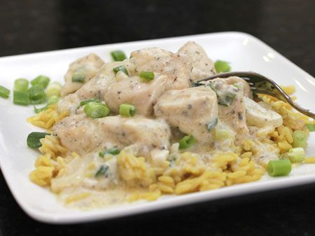 Sour Cream & Onion Skillet Chicken  Posted by Cooking with SugarIn less than 30 minutes, you can serve your hungry family a mouthwatering chicken dinner.