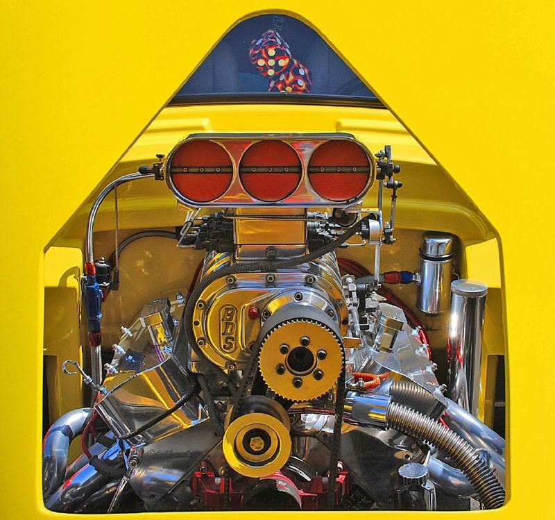 hot chevy motors Big Block Chevy Engine Compartment