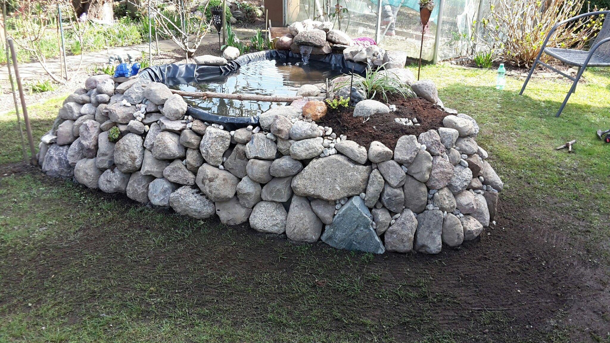Randgestaltung mit natursteinen garten hochteich for Natursteine garten