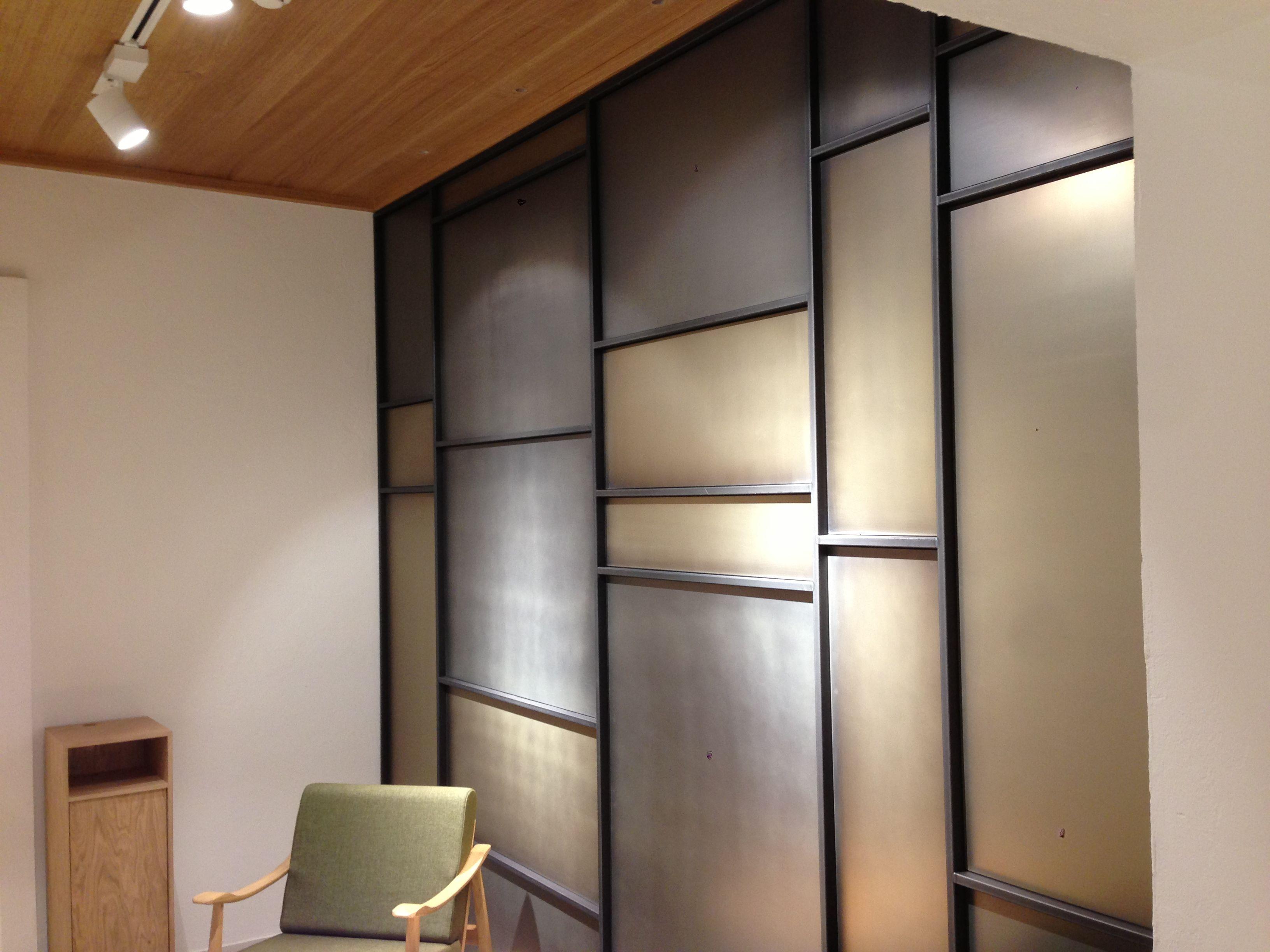 Rivestimento parete in metallo: struttura tubolare in ...