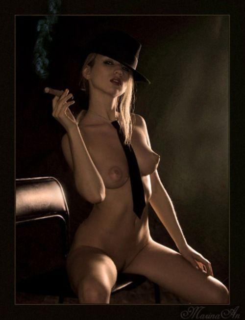 Nude cigar photo #1