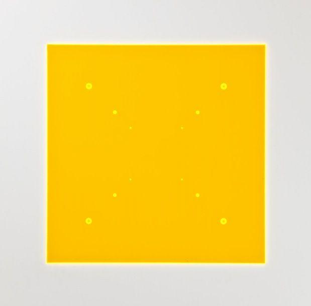 Galerie Lindner Wien: Hellmut Bruch (1936) Progressionen in den Diaonalen 2009 Oranges fluoreszierendes Acryglas