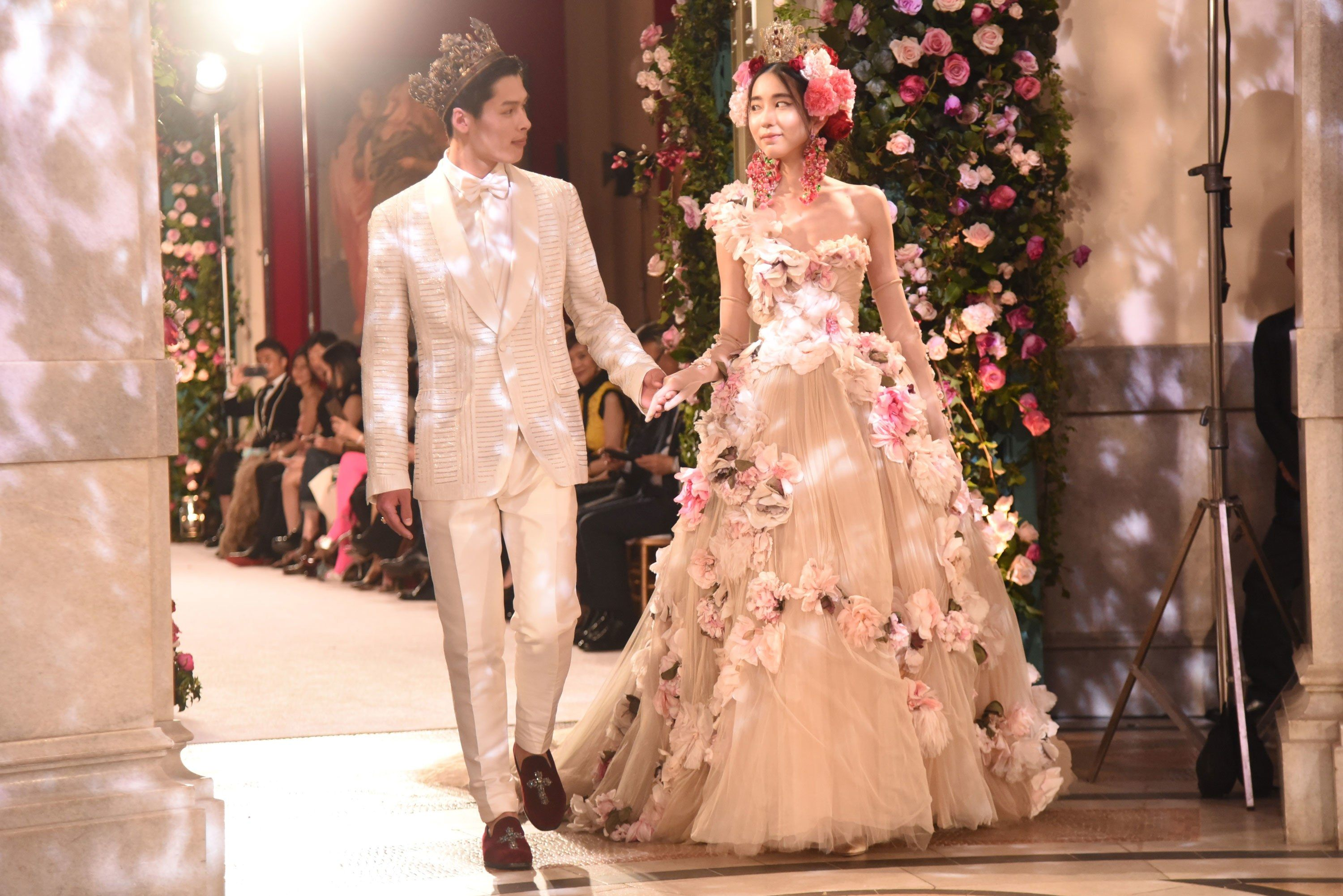 Dolce gabbana s cherry blossom couture lands in tokyo for Dolce gabbana wedding dress
