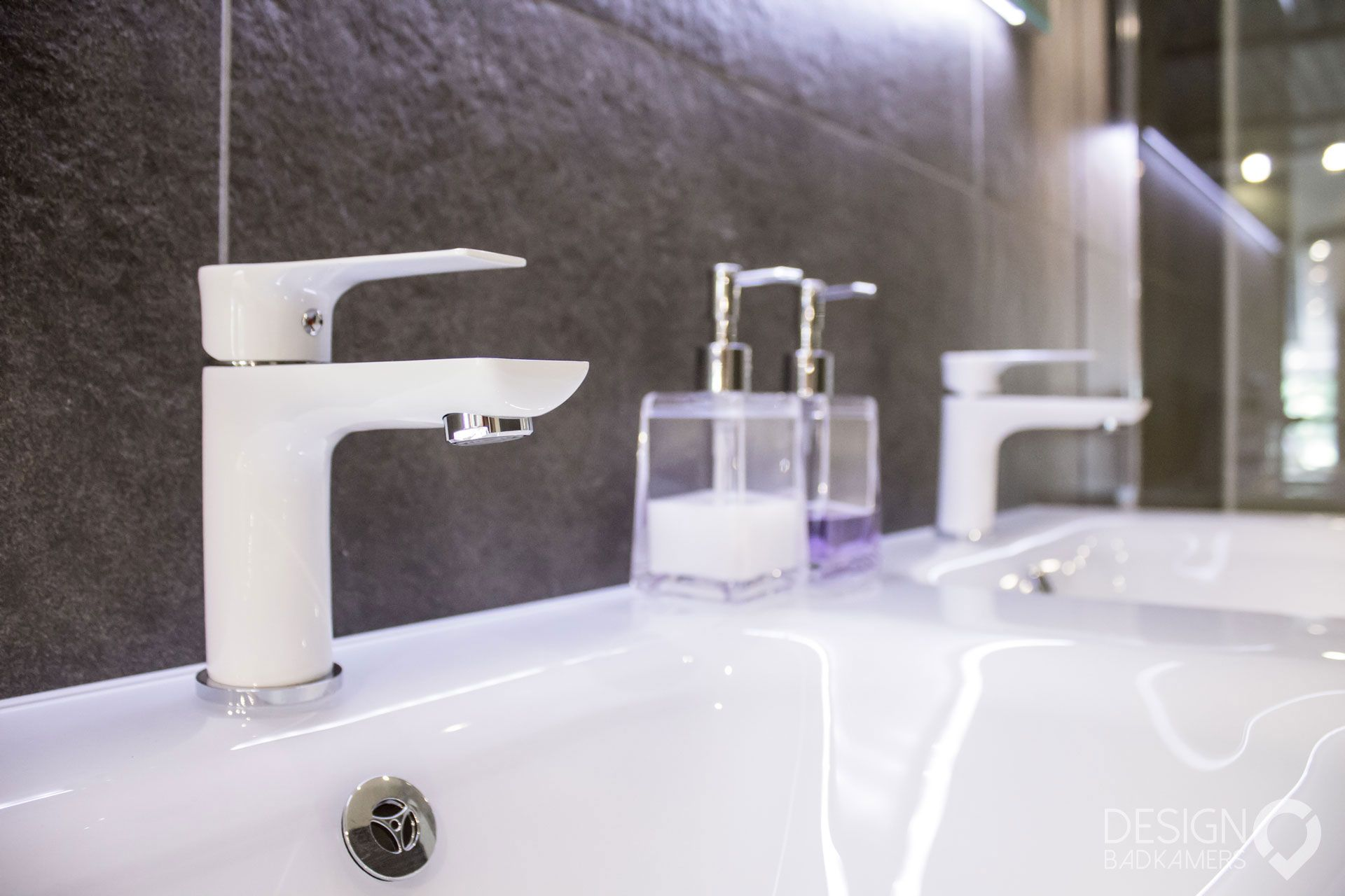 Elegant badkamermeubel met eiken vloer gebruikt badkamermeubels
