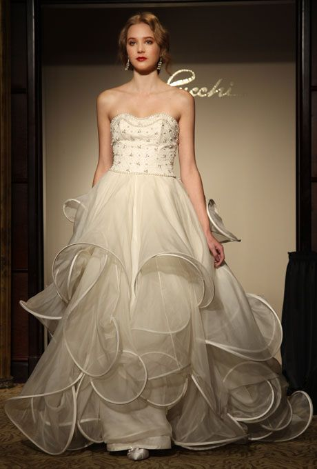 Google Image Result for http://www.pasminaqiu.com/wp-content/uploads/2012/01/unique-wedding-dresses-fal-2012-St.Pucchi.jpg