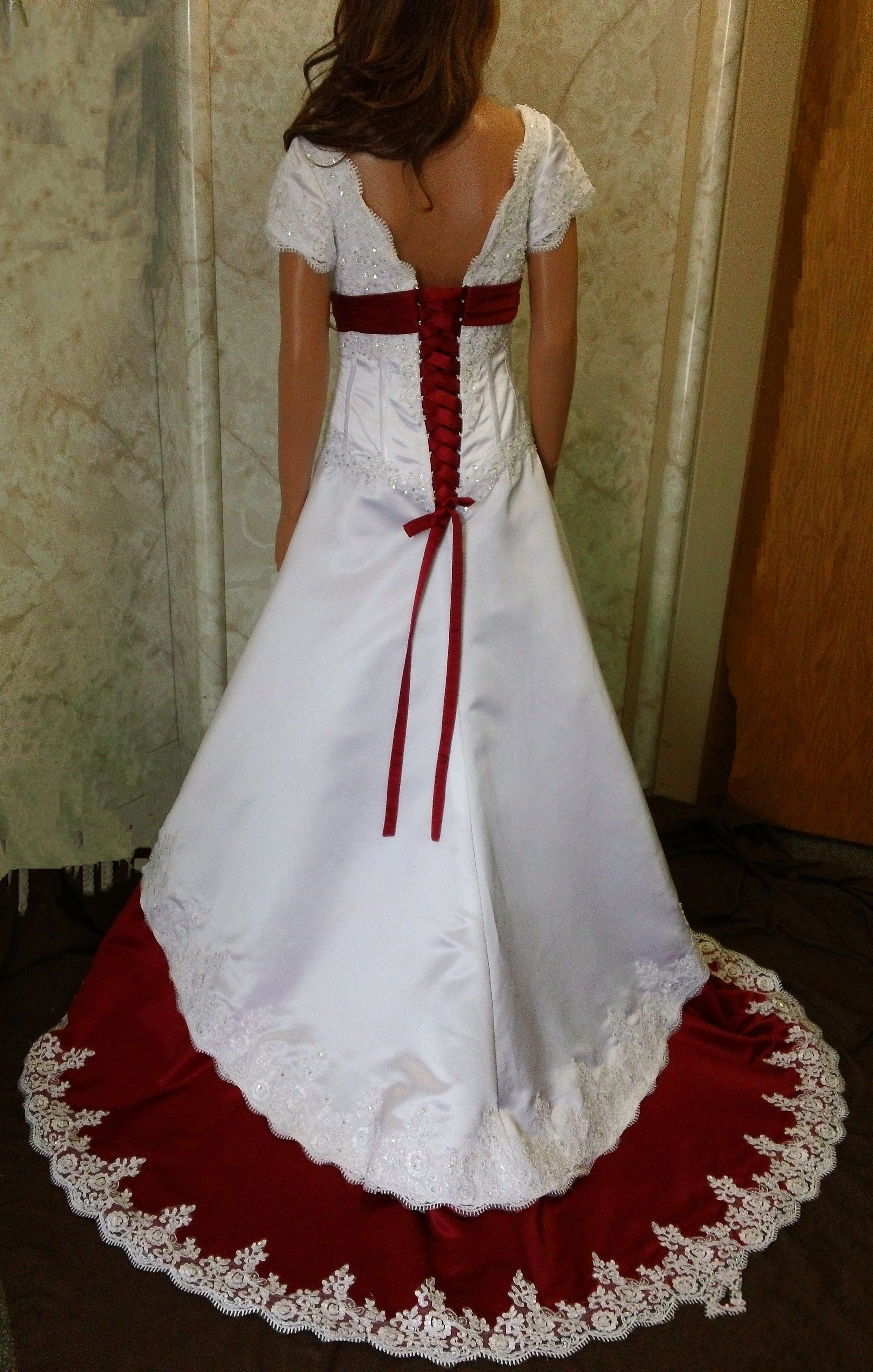 White and apple red Wedding dress | If I ever get married ...