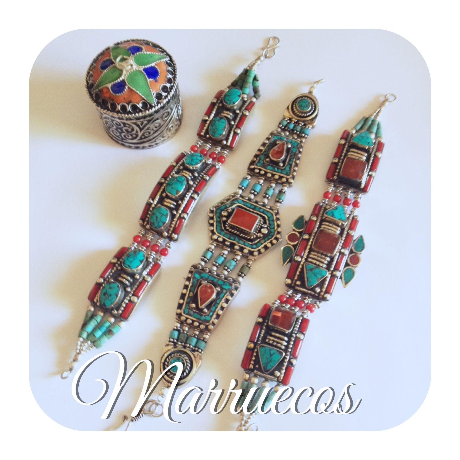 Buenos Días!!!! Nos acaban de llegar la nueva colección de pulseras con plata bereber de Marruecos...no se cuál elegir!!!!!. <3 <3 #plata   #pulseras   #marruecos   #turquesa   #coral   #loveit   #handmade