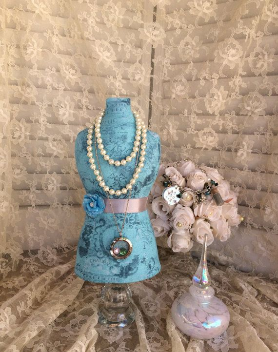Mannequin Dress Form Centerpiece Jewelry Display Necklace Stand