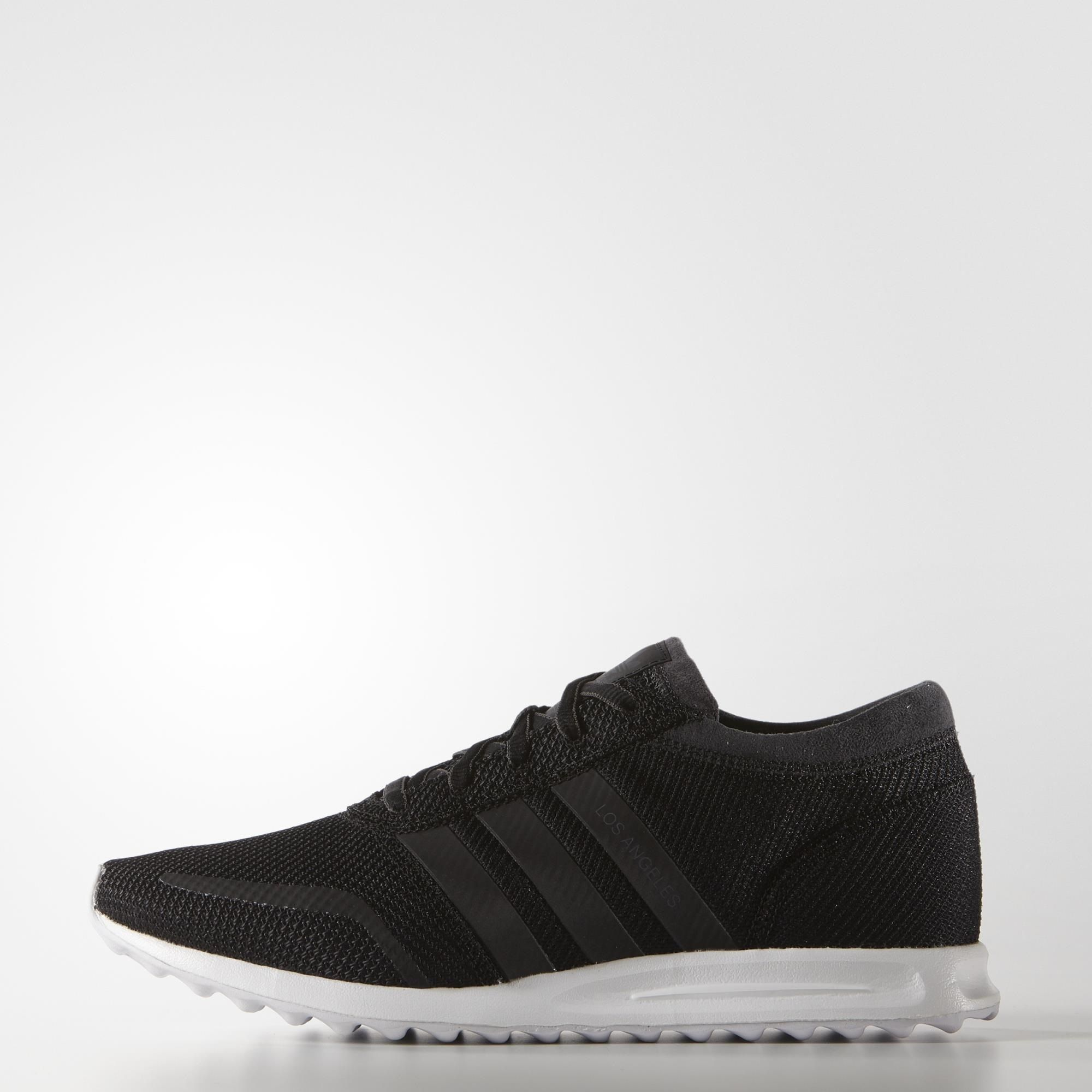 Los Angeles Star Studded Sporty Street Style Is The Inspiration For These Men S Shoes Featuring Iconic Los Angeles Shoes Duck Shoes Womens Adidas Golf Shoes