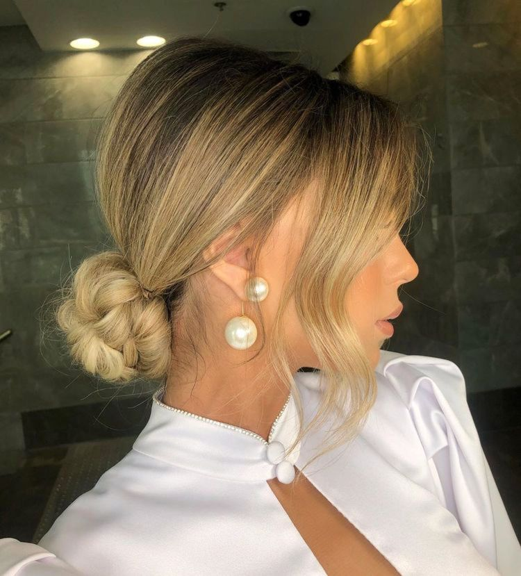 20 Inspiration Low Bun Hairstyles For Wedding 2019 2020: Soft Romantic Updo // Ig: @dvir_tvik In 2020 (With Images