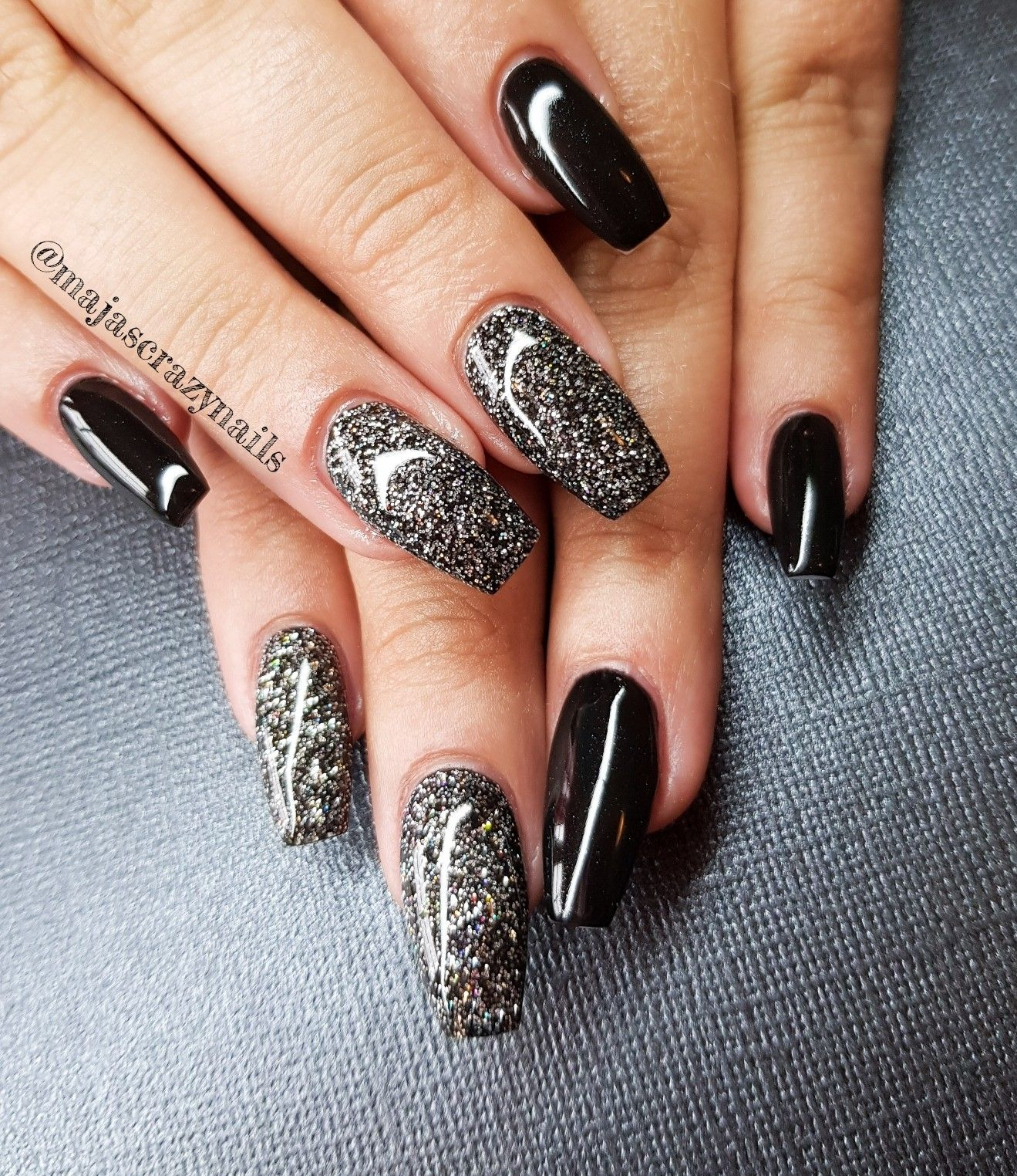 Light elegance products used. Design by me @misscrazynails 💅 se my ...