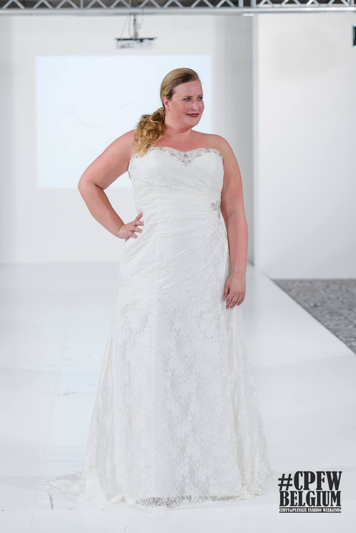 The dress is chanel - Our Dress Chanel On The Catwalk During Last Week S Curvy Plussize Fashion Week