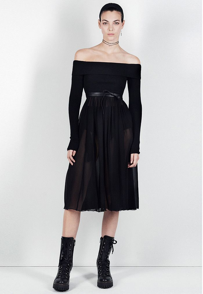 4e6ffff5 Shop Zara's new ballerina-inspired capsule collection with everything from  lace-up flats to knit leggings.