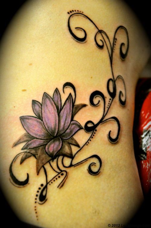 Tatouages lotus arabesques couleur lotus arabesques hanche ratio ideas pinterest lotus - Tatouage femme dos arabesque ...