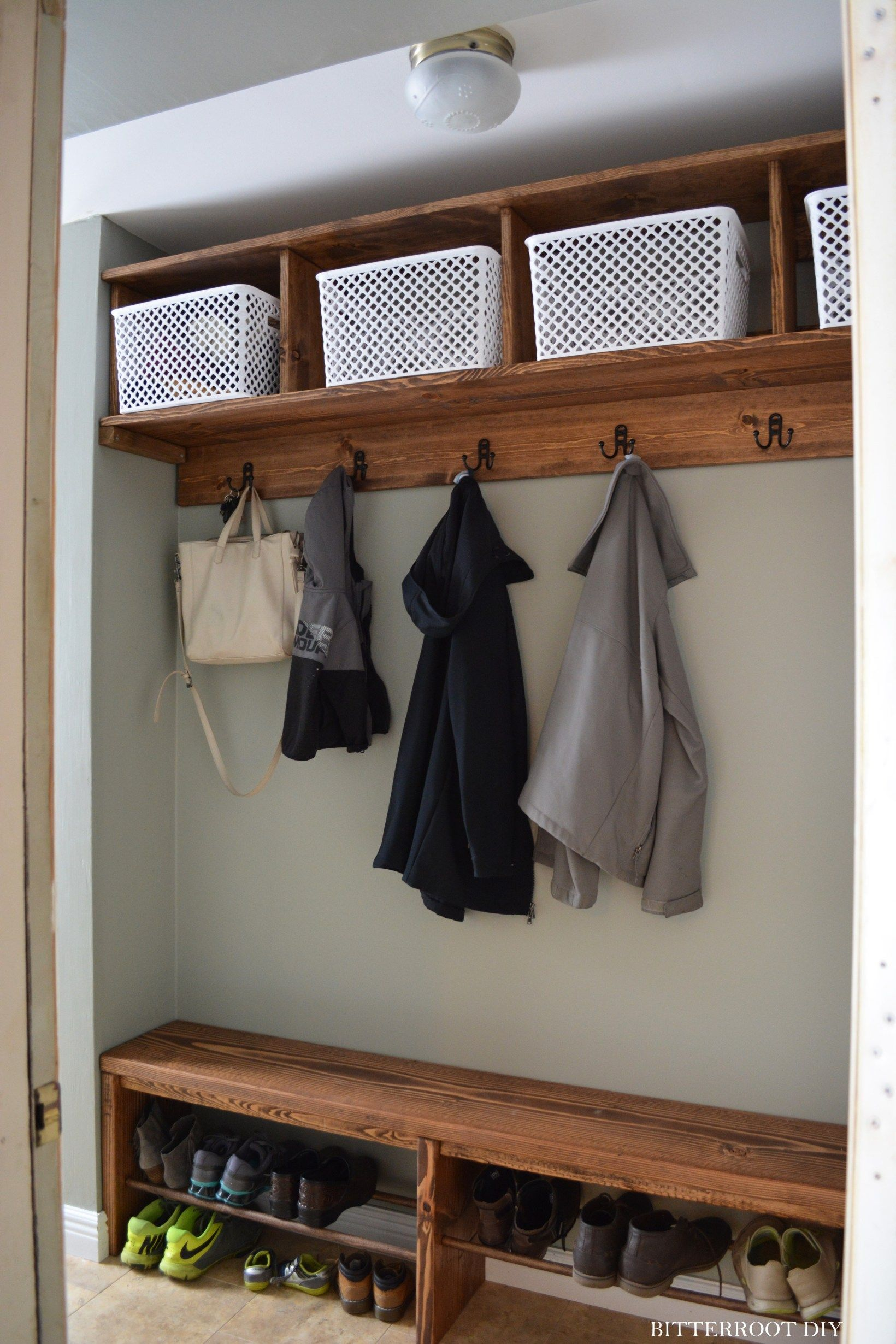 Easy Mudroom Bench with Shoe Storage |
