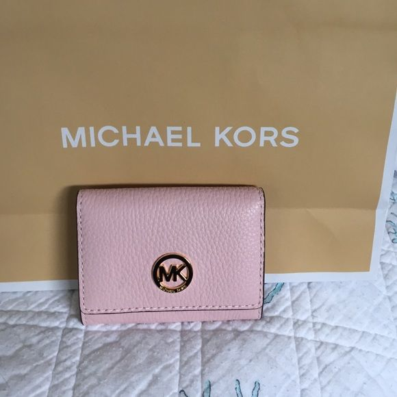 cd4a3f5cc2f2 NWT Michael Kors Fulton snap card case in Blossom Pretty pink pebble  leather card case or