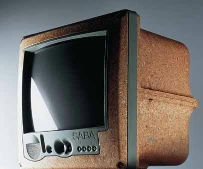 philippe starck tv http://design.20minutes-blogs.fr/album/25_25/2525_0012_13.jpg
