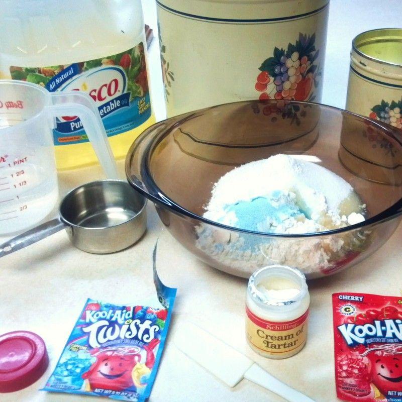 No Cook Playdough Recipie Easy playdough recipe, Cooked