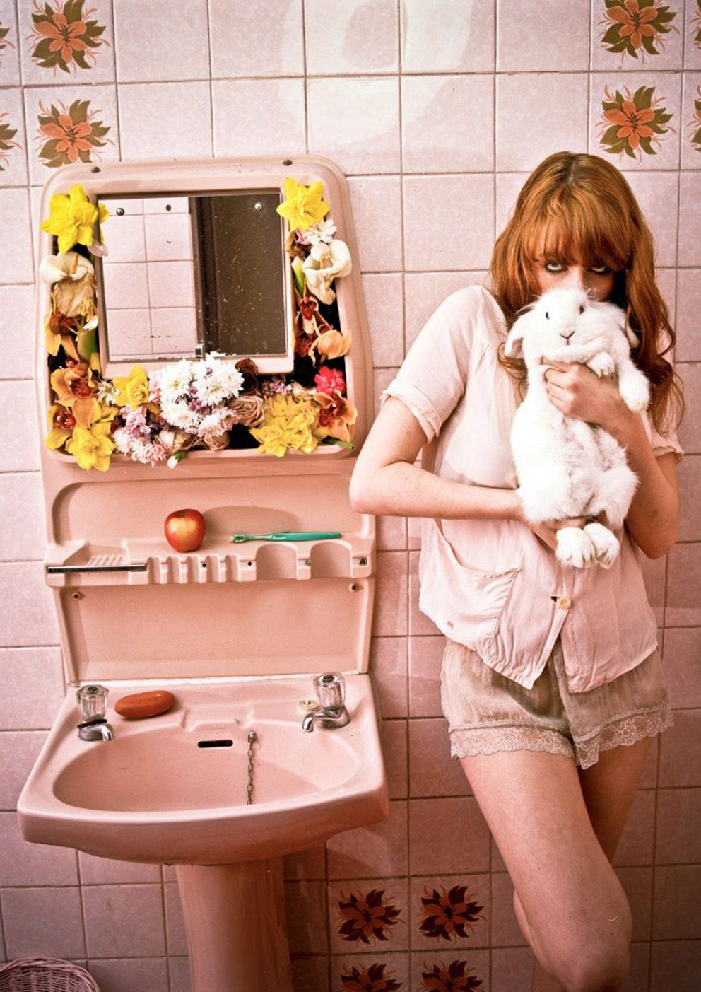 florence welch lapin salle de bain fille salle de bain pinterest florence welch. Black Bedroom Furniture Sets. Home Design Ideas