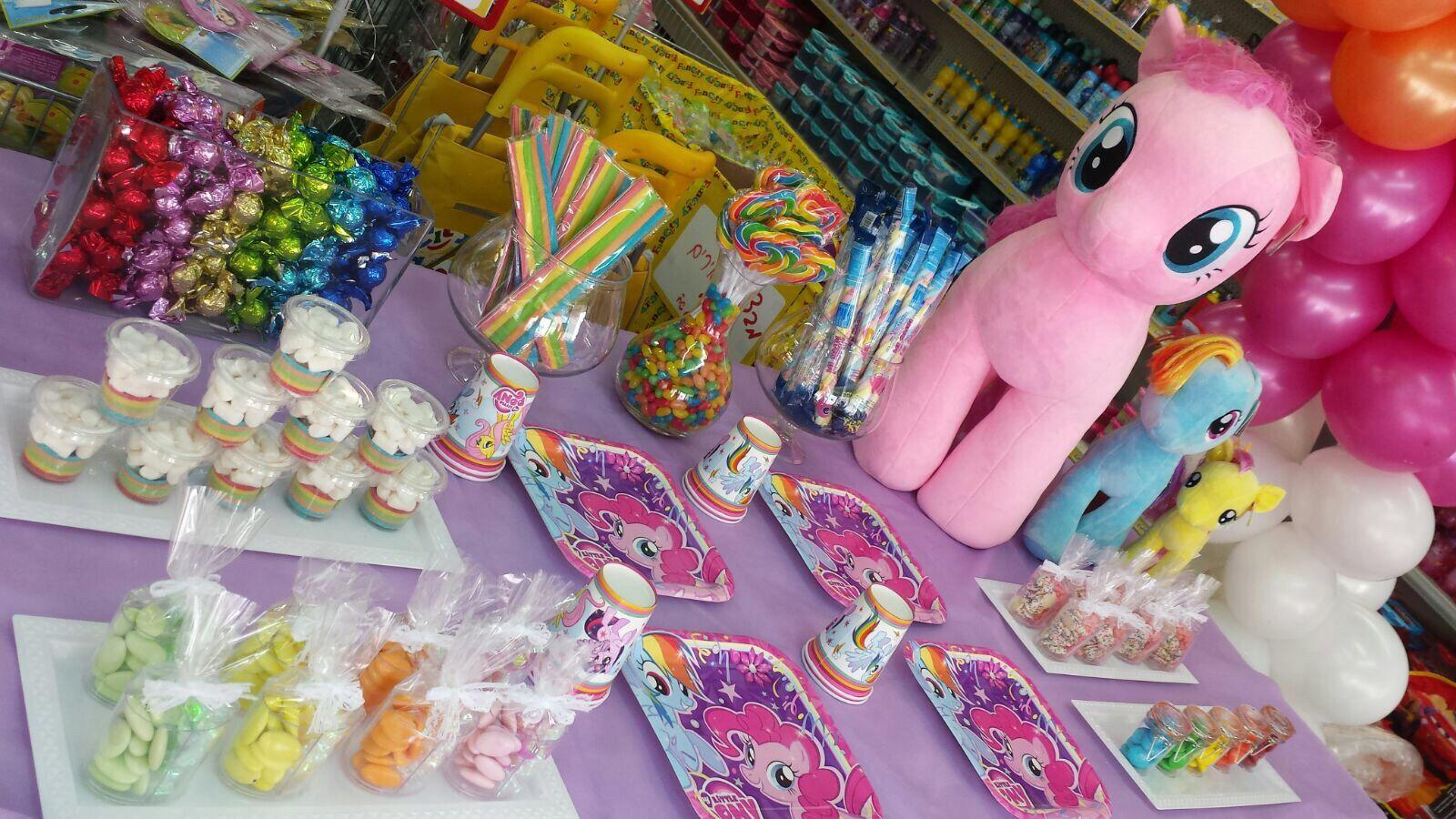 My Little Pony ♥ ♥ ♥ עיצוב שולחן מרהיב ביופיו ♥ ♥ כל המוצרים ניתן להשיג  בסניפי פאן סיטי רשל