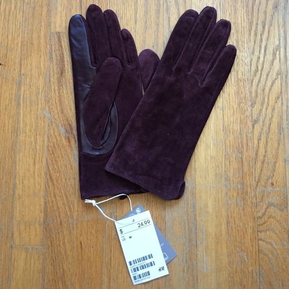 H&M Premium Suede Gloves Made with real suede and super warm and chic. H&M Accessories Gloves & Mittens