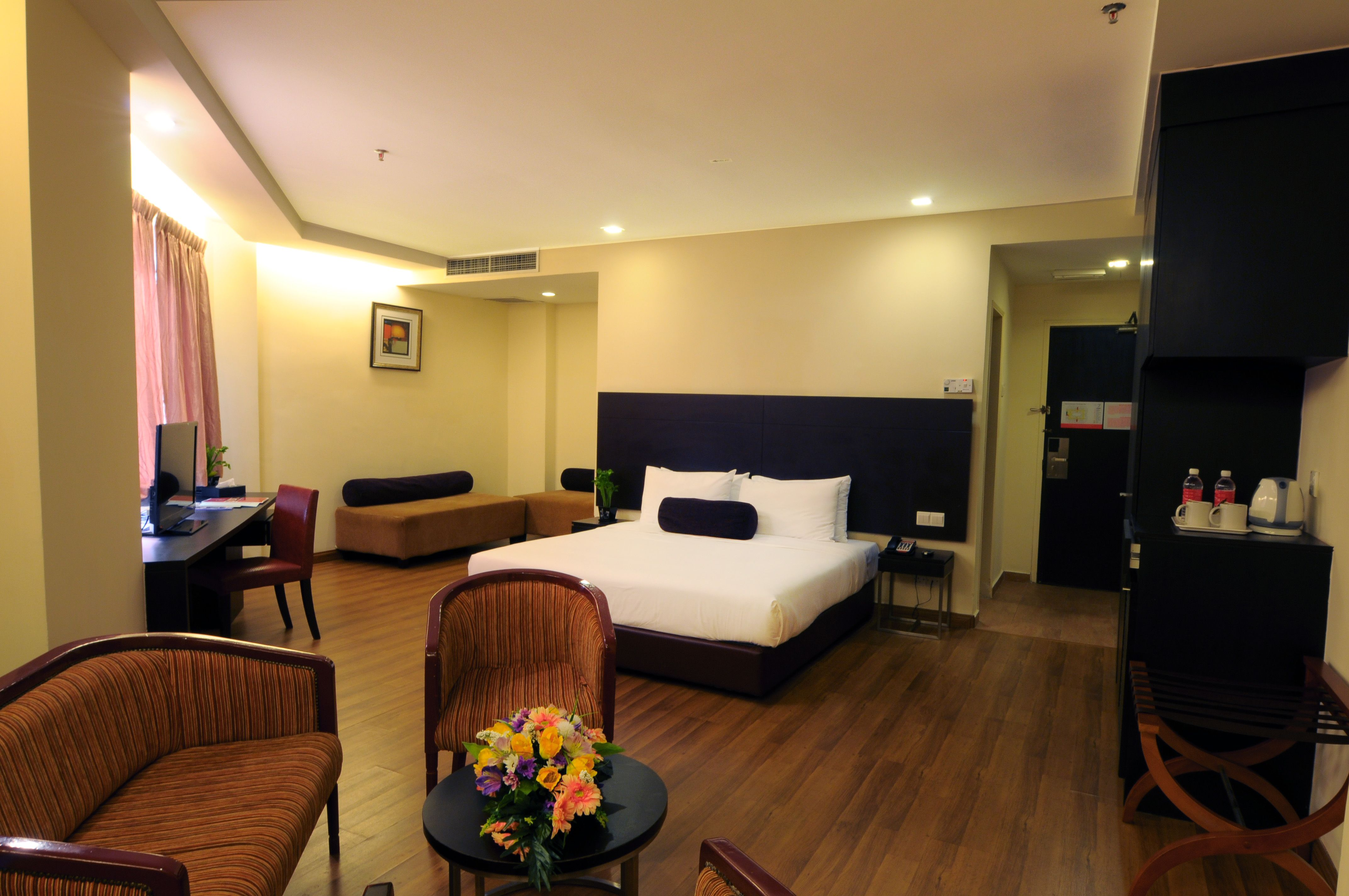 Junior Suite - Featuring graceful contemporary styling and a generous living area with dining facilities, our Junior Suites promise outstanding level of space, comfort and amenities for both medium to long stay guests.  Visit us at http://www.hotelsentralriverviewmelaka.com.my