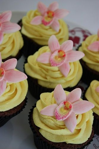 Pressed fondant orchids (could be done in green and white).