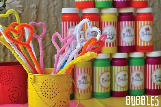 make your own bubble blower wands!