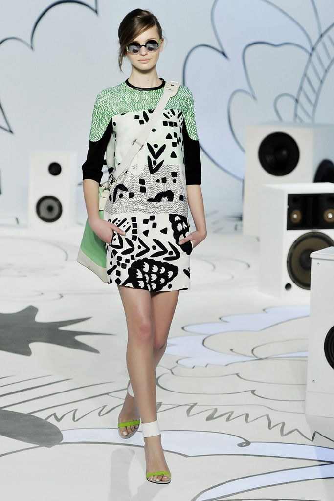 Diane von Furstenberg Resort 2012 Collection Slideshow on Style.com