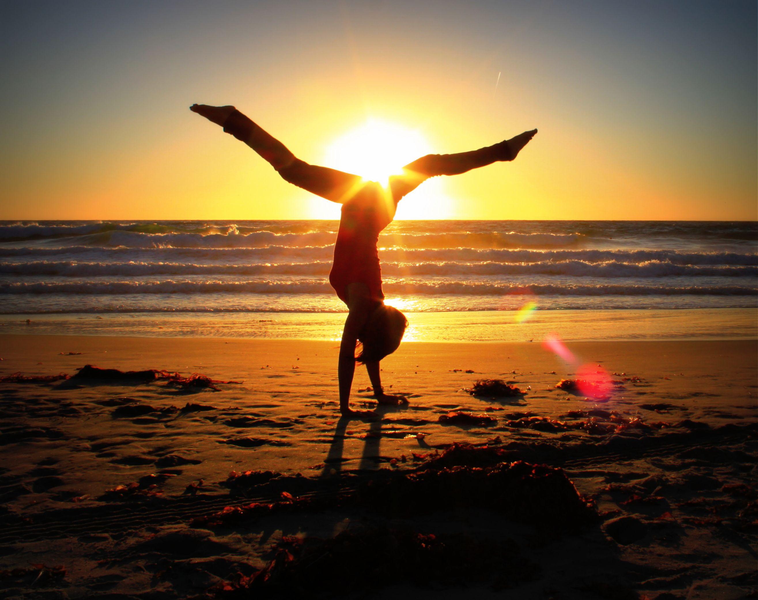 yoga on the beach, girl handstand sunset | Yoga not yoda ...