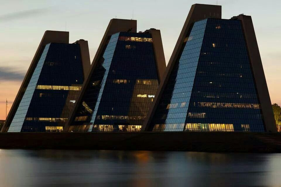Pyramids In Indianapolis Architecture Interior Design Ideas Pinte