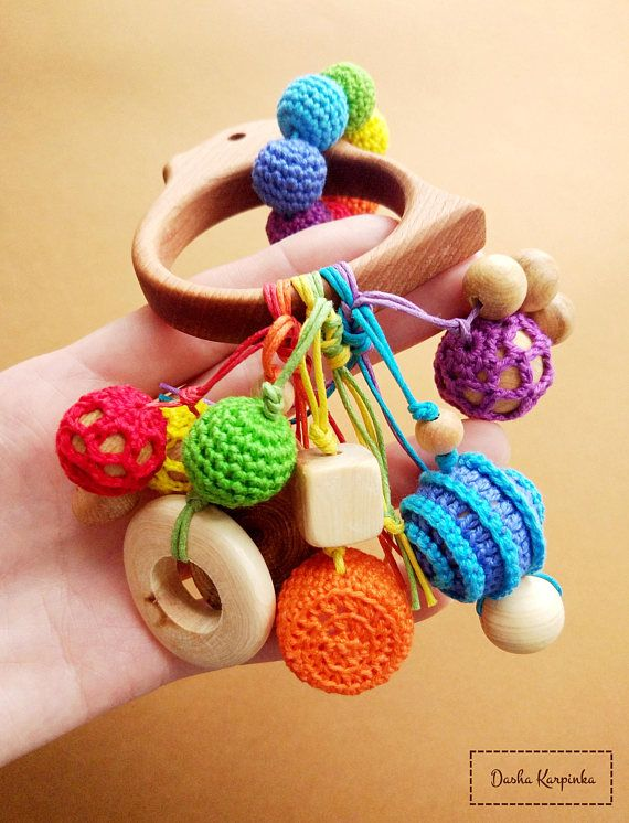 Rainbow wooden teething toy with juniper beads for toddlers, Baby Teether, Newborn toy, Wood teether, Crochet teether, Wooden rattle