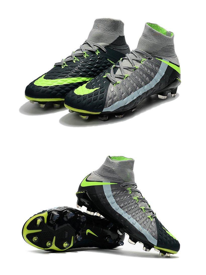 on sale 6dfdb f57ca La Hypervenom III est également la première chaussure Nike Football à  bénéficier de la toute nouvelle