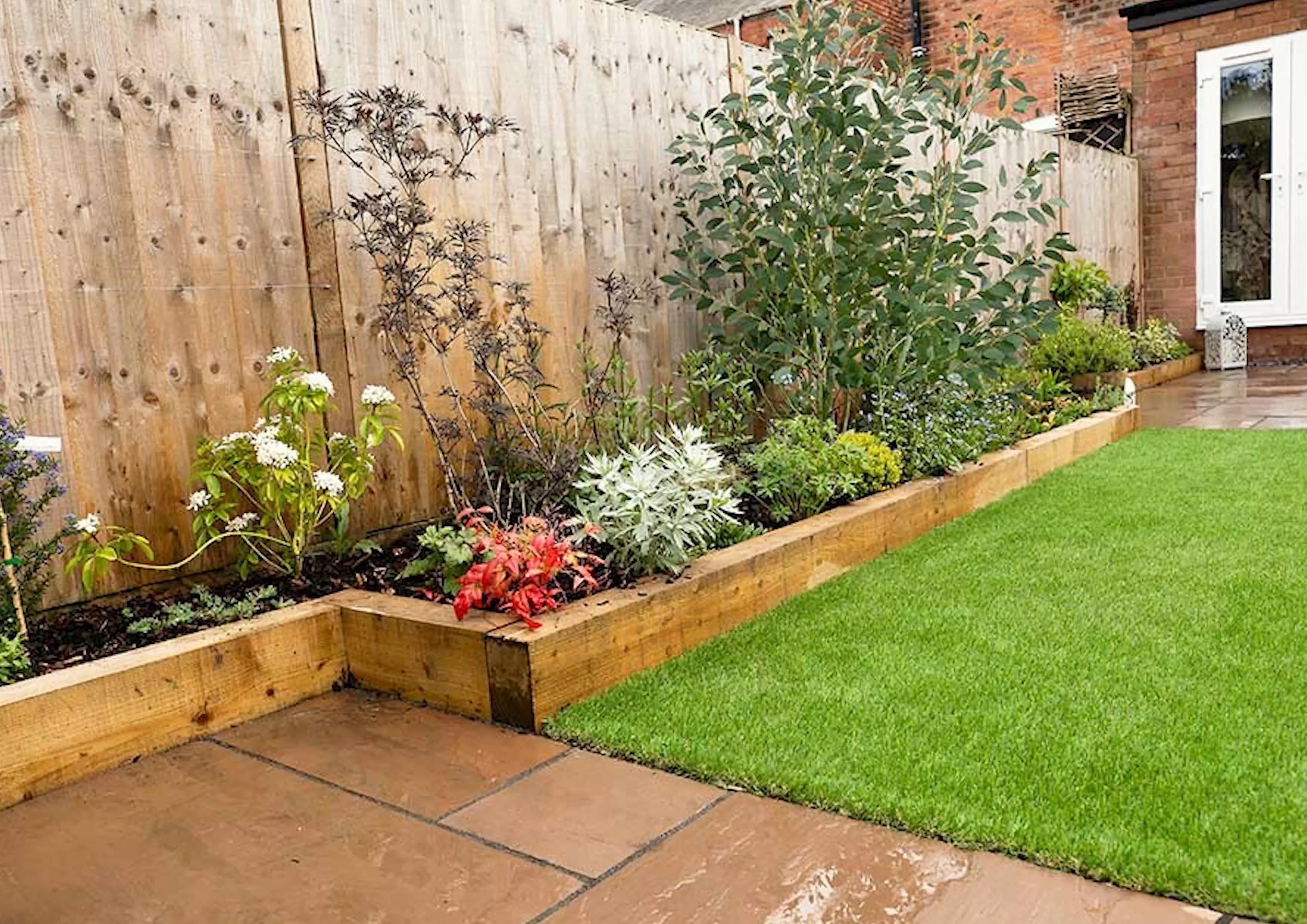 A Long Thin Garden Design And Installation In Shrewsbury Shropshire Bloge Fashion Long Blooming Perennial In 2020 Garden Design Garden Dividers Back Garden Design