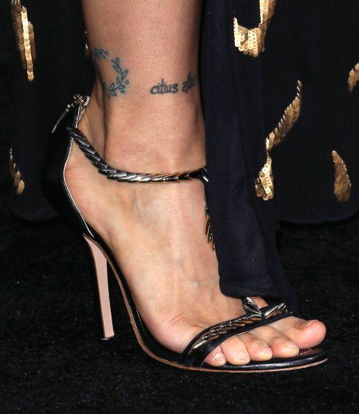 Ronda Rouseys Feet Wikifeet Ronda Rousey One Of The Most