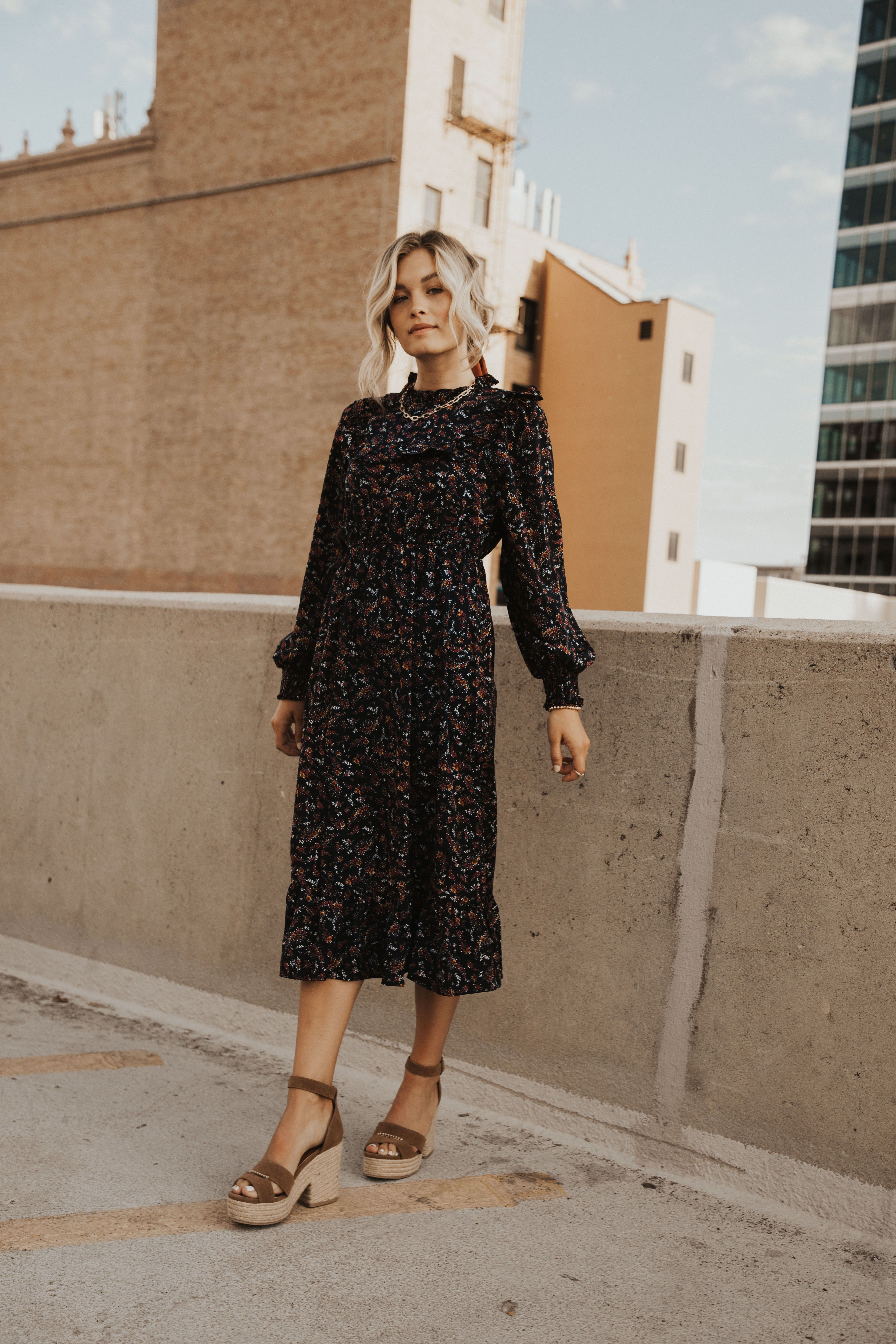 High Neck Floral Midi Dress Fashion Fashion Outfits Everyday Outfit Inspiration [ 6720 x 4480 Pixel ]
