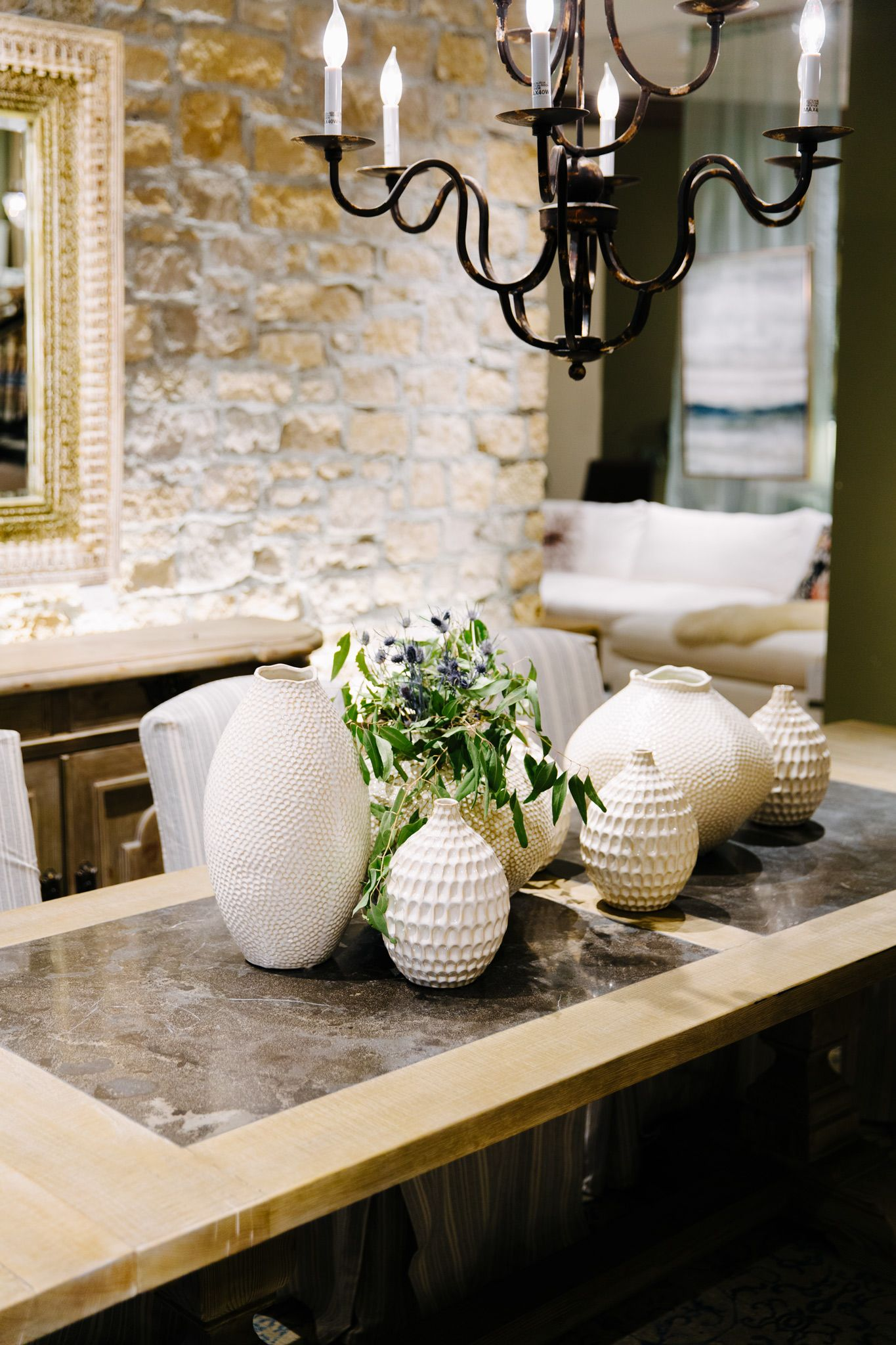 Sophisticated And Stunning Dining Table Decor