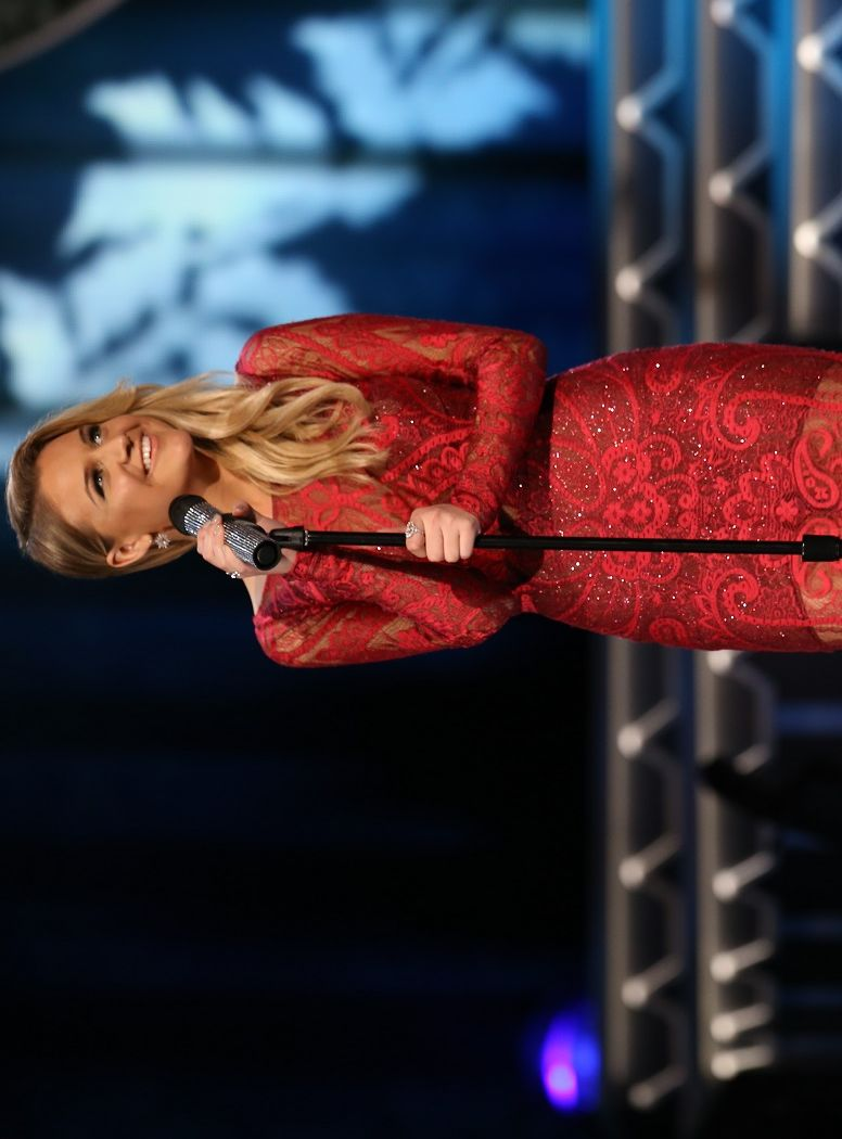 Jennifer Nettles, Kelsea Ballerini, and more kick off the holiday ...