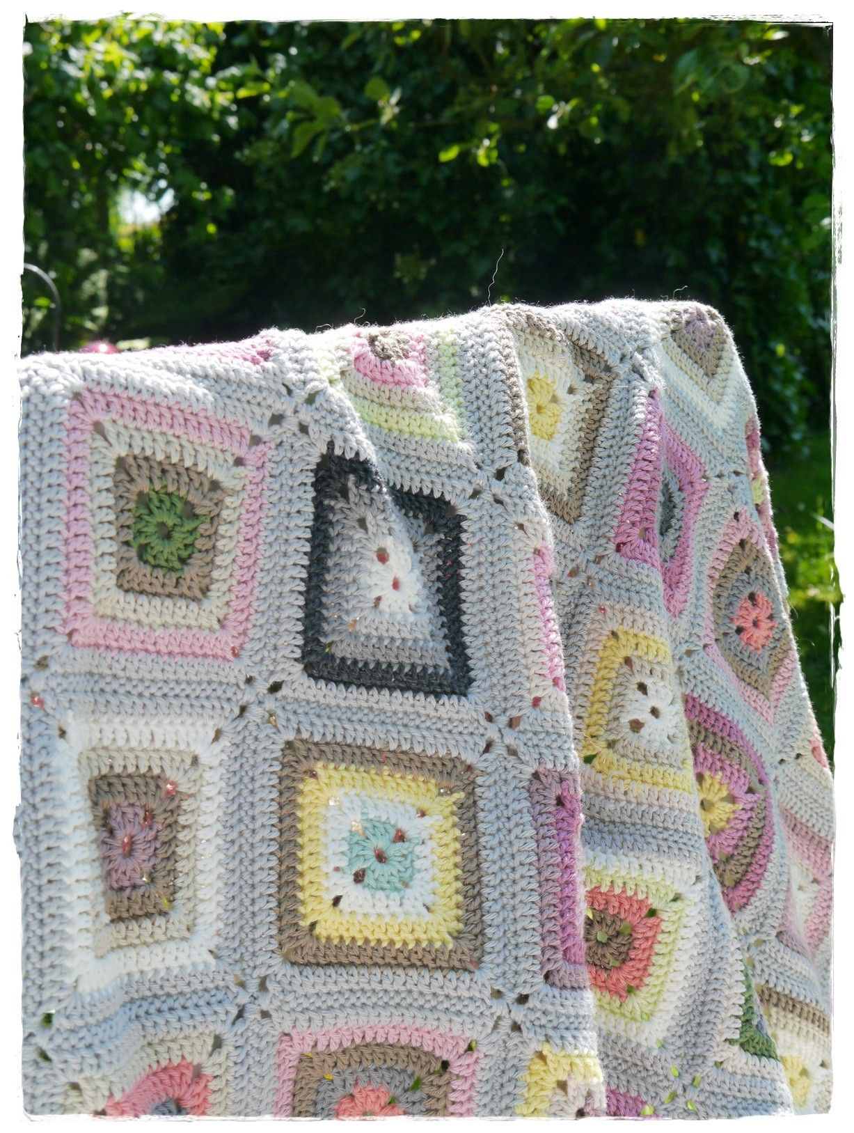 Grannys II - versponnenes | Crochet | Pinterest | Häkeltiere ...
