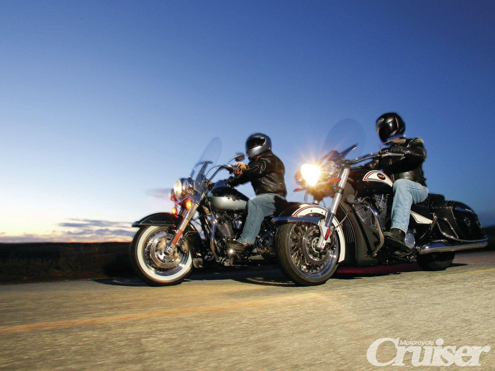 Harley-Davidson Sportster 1200 Custom vs. Honda Stateline ...
