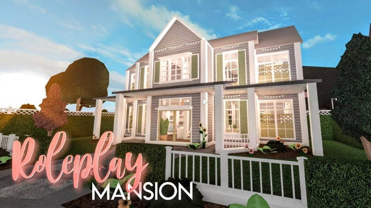 Basic To House In Bloxburg In 2020 Building A House Family House Plans Mansions