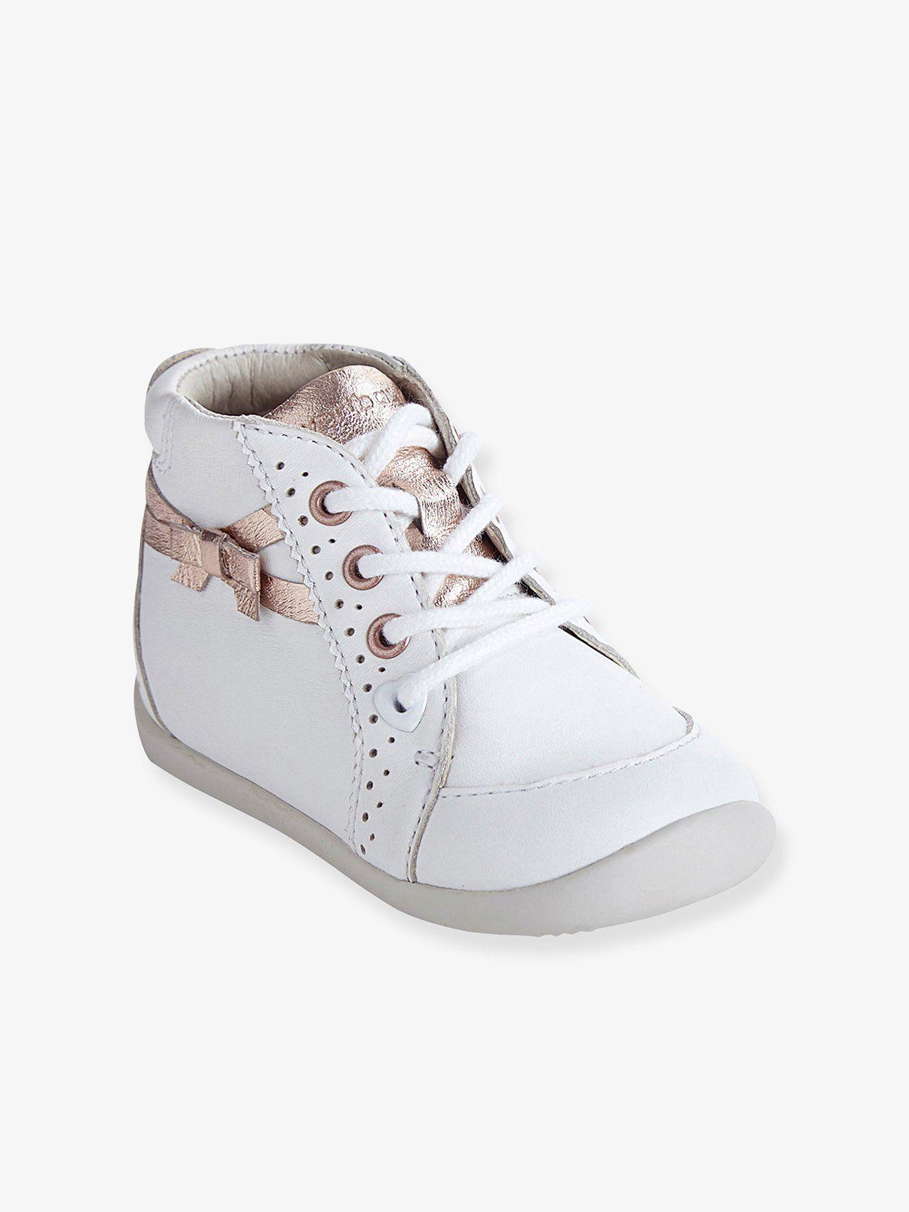 b0714dbf9 Bottines cuir fille spécial premiers pas blanc - En voilà de jolies  bottines pour (bien) faire ses premiers pas ! Conçues par vertbaudet