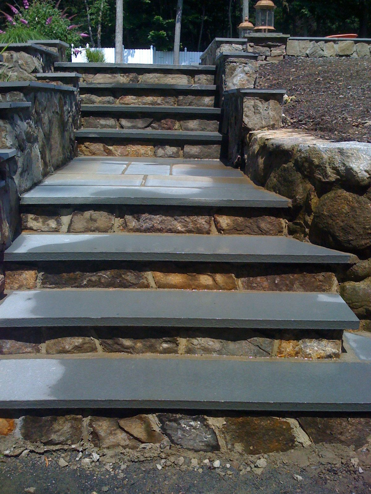 How to build steps with pavers - Pavers Natural Blues Stone Steps With 1 2 Inch Veneer Face Stone