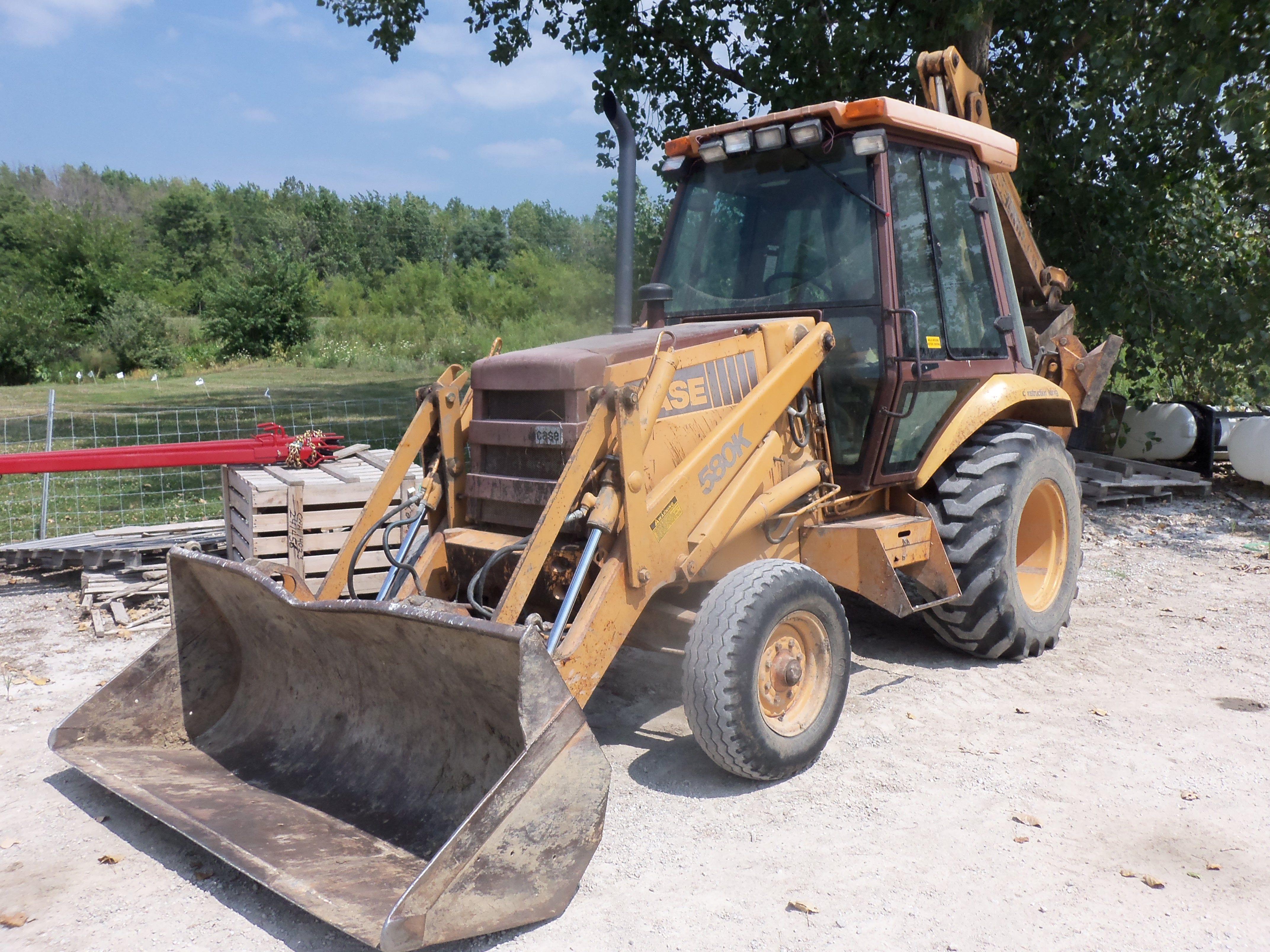 Case 580k Tractor Loader Backhoe