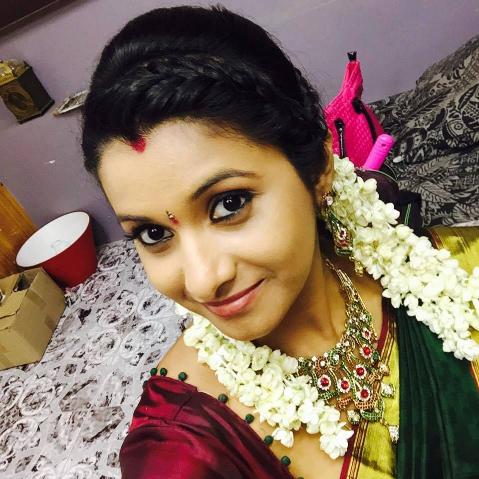 Actress Priya Bhavani Shankar Latest Photo Stills: South Indian Married Women Look --by Sasi Pradha