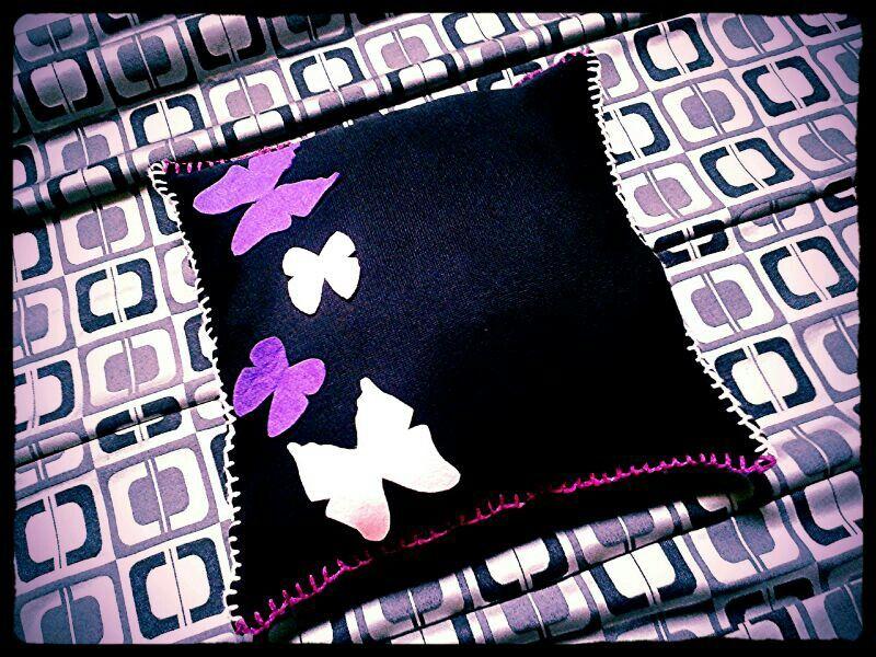 Cojin mariposa Negro/rosa/morado