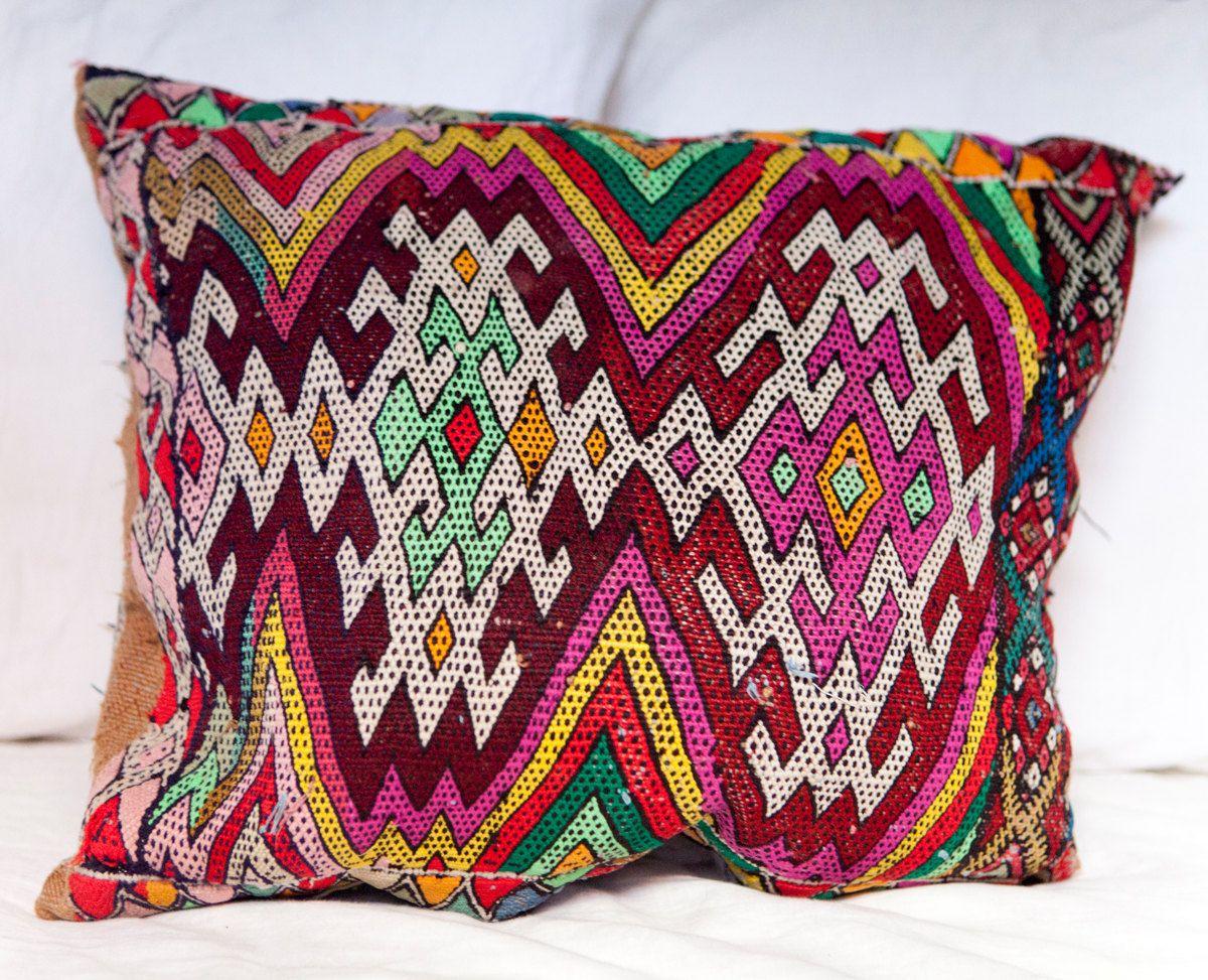KILIM PILLOW | MOROCCAN Kilim Pillow | Vintage Kilim Cushion | 19.5x16.5 by MoroccanMaison on Etsy